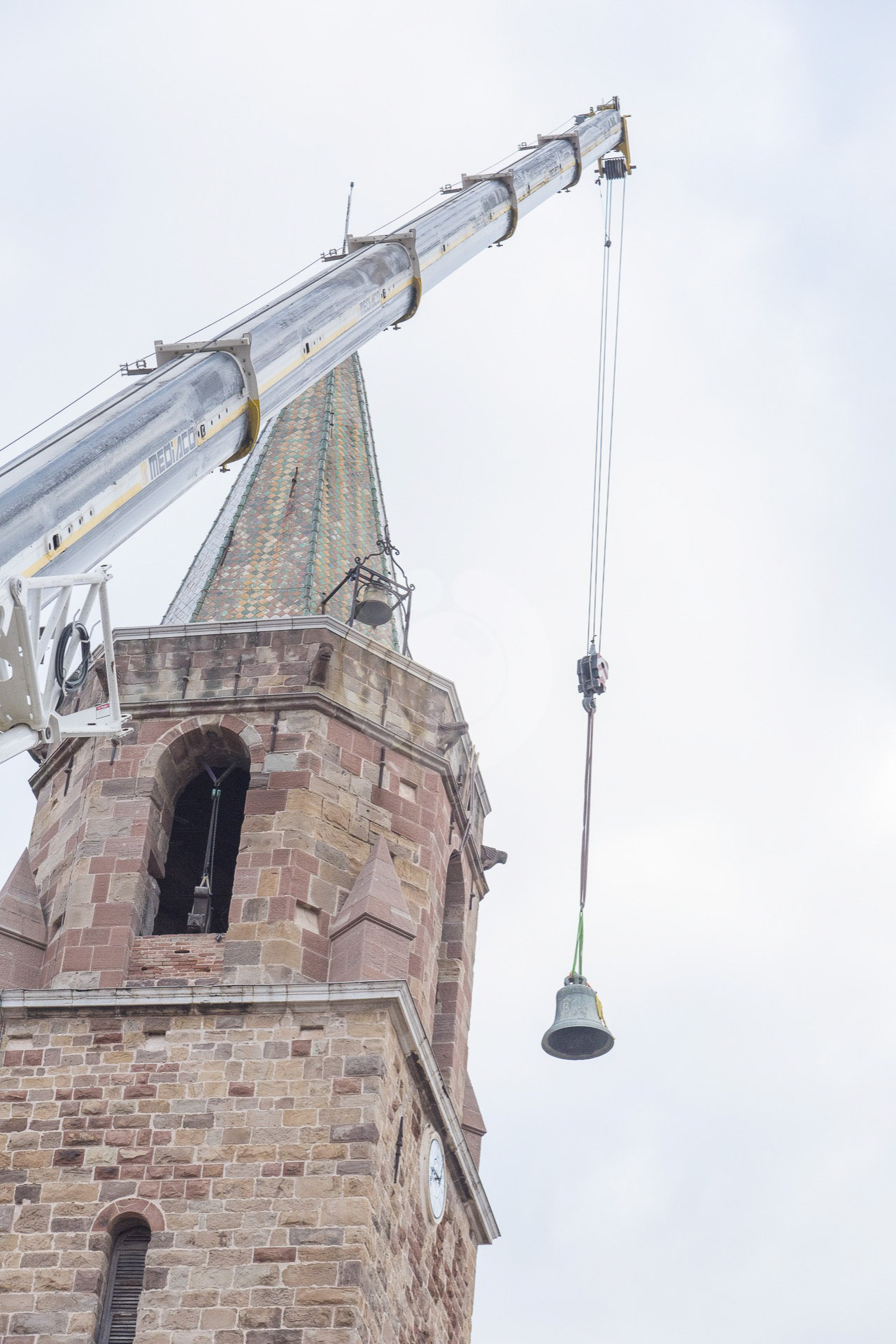 Dépose pour restauration des 4 cloches de la cathédrale de Fréjus