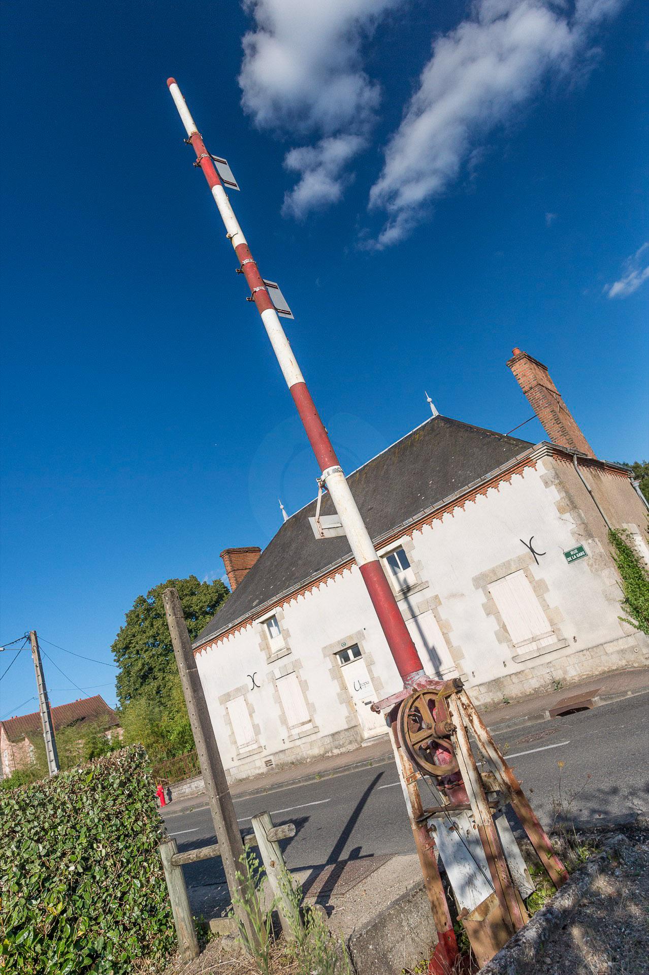 083-la-voie-ferree-687000-fermee-aux-bordes-aout-2016-1920-px