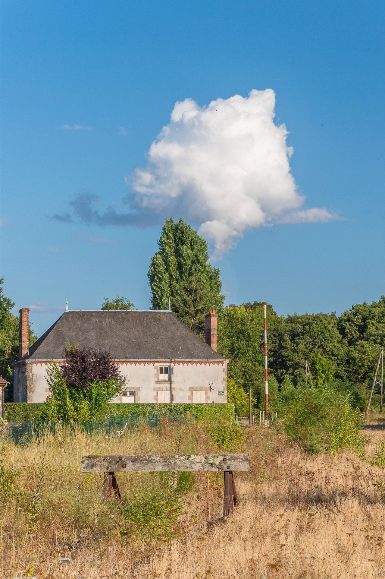 120-la-voie-ferree-687000-fermee-aux-bordes-aout-2016-1920-px