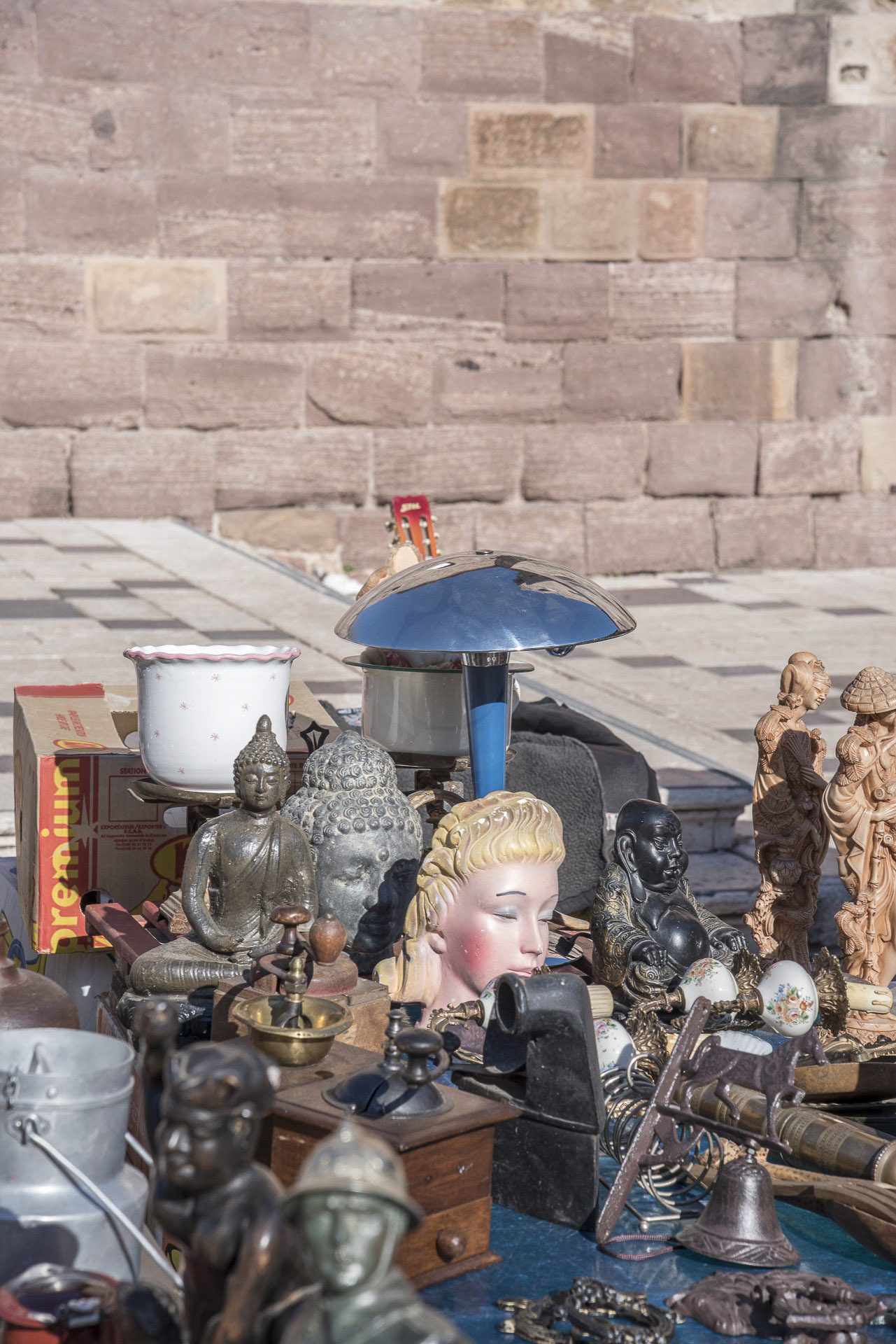 22-brocante-place-formige-hdr-1920-px.jpg